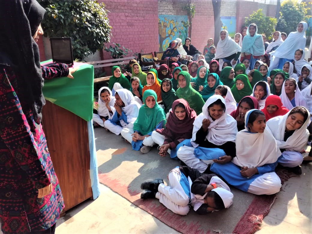 Students from SAVERS teach children about dog bite prevention to help reduce rabies exposures and deaths in Pakistan.